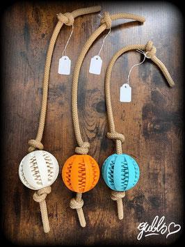 Wurfball mit Seil