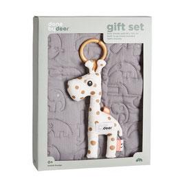 Geschenkset Raffi - Rassel und Babydecke von Done by Deer