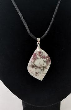 Pendentif rubellite sur quartz