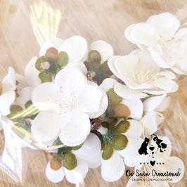 Pack de 13 flores de flor de almendro blanca