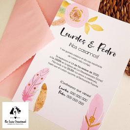 Invitación plumas rosas con sobre rosa