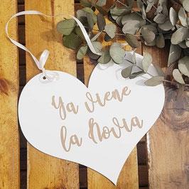 Cartel ya viene la novia corazón