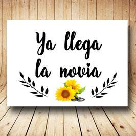 Cartel ya llega la novia margaritas amarillas fb