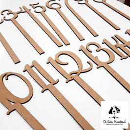 Números de madera para indicar las mesas