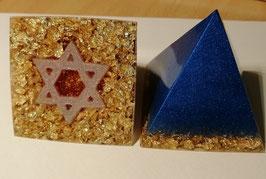 Pyramide mittel mit Hexagramm oder Lemniskate oder Engel, 6x6cm, Spezialanfertigung, ganz individuell für dich