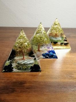 "Pyramiden ""Bäume"", ca. 6x6cm"