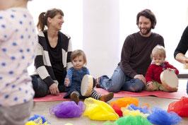 DIENSTAGS-Musikgarten für Babys im Alter von 8-17 Monaten bei Kursbeginn / 11 Kurstermine