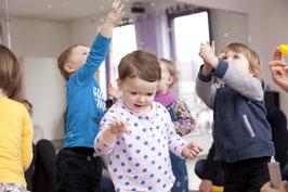 MITTWOCHS-Musikgarten für Babys im Alter von 8-12 Monaten bei Kursbeginn / 11 Kurstermine