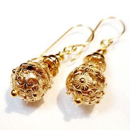 La vie et belle, gold plated zilveren oorbellen.