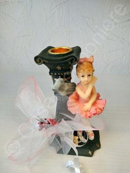 Ballerina mit Kerzenhalter