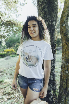 Camiseta Life is Better in the Forest
