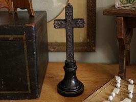 黒い十字架