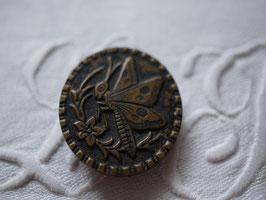 アンティークメタルボタン 蝶