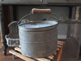 アンティーク・ブリキの魚籠