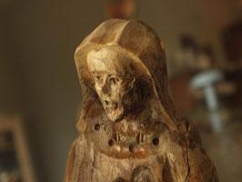 木彫りのマリア像