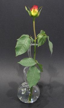 Rosenvase aus Glas mit Einstichen