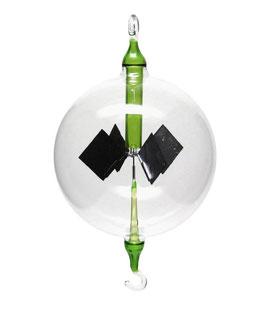 Lichtmühle | Radiometer hängend mit grüner Einschmelzung