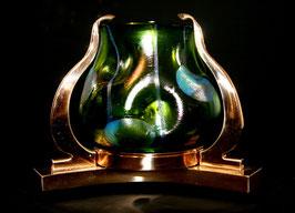 Lötz Vase grün mit Messingmontierung c. 1905