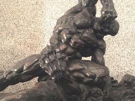Heinrich Krippel Holzskulptur Herkules im Kampf