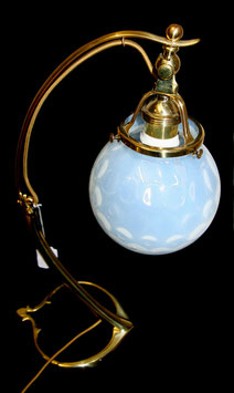 Messinglampe mit Lötz Glasschirm c. 1900