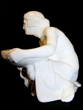 Keramik Figur Gustav Gurschner Schalenträger c. 1900