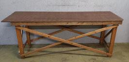 Industriële houten tafel.