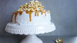 White Vanilla-Cake mit KaramellPopcorn