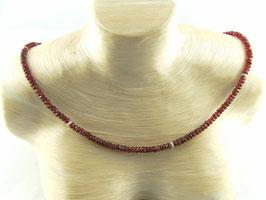 Granat-Kette facettiert mit diamantierten Silberelementen, Best.-Nr.:GKS001