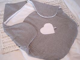 38/ Pucksack Fleece in vichy mit Herz-Applikation