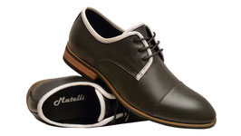 Trendige Schuhe in kleinen Größen aus Glattleder in Schwarz