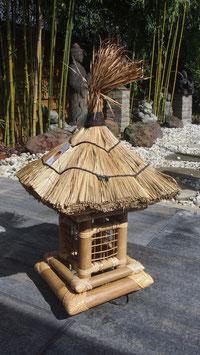 Asiatische Gartenlampe, Pagode aus Bambus - Zen- Garten- Lampe mit Beleuchtung
