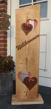Gartenschild, Säule, Willkommen, Ständer mit Herzen auf angeflammten Fichtenholz