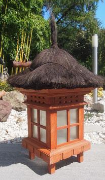 Gartenlampe, Asiatische Pagode aus Holz - Zen- Garten- Lampe für den Garten.