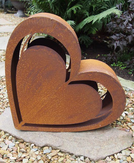 Herz in Edelrost aus Eisen. Gartendekoration. Geschenk nicht nur für Verliebte.