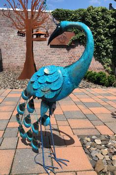 Vogel, Pfau aus Metall. Tier- Skulptur aus Metall  für Drinnen und Draußen.