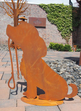 Hund, Hundeskulptur in Edelrost