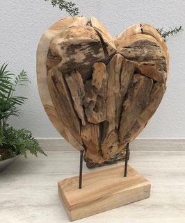 Herz aus Holz. Jedes Herz ein Unikat. Handgefertigtes Geschenk für Verliebte.