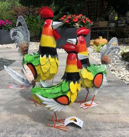 Hühnerfamilie aus Metall, drei farbige Skulpturen für Wohnraum und Garten