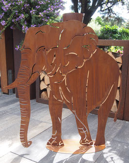 Elefant, Große Tierskulptur aus Eisen in Edelrost