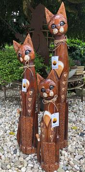 Drei Katzen aus Holz,  Dekoration für den Wohnbereich