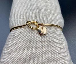 AE-02251 Bijoux cuff armband met knoop en letter S
