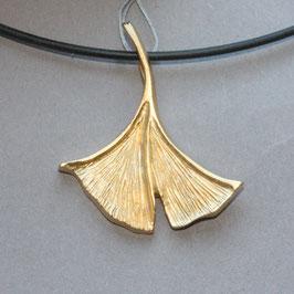 Ginkgo Anhänger, aus Silber vergoldet, 3,8cm