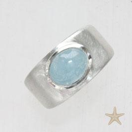 Unikat Ring handgefertigt  mit Aquamarin in Silber