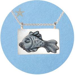 Unikat, Anhänger Lagenacht als Fisch geschliffen, Silber eckige Fassung