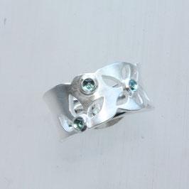 Unikat Ring, handgefertigt , Blüten,Turmalin, Silber