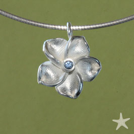 Blüten Anhänger mit Aquamarin, 2cm, in Blütenform, Silber