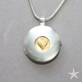 Medaillon mit Herz aus Gold