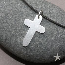 schlichter Kreuzanhänger