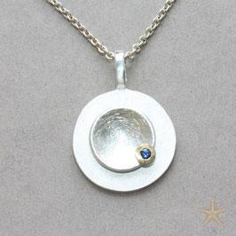 Taufanhänger mini, 1,7cm, in Silber mit Safir