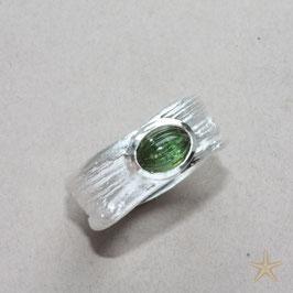 Unikat Ring, handgefertigt , grüner Turmalin in Silber